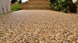 Kamínková podlaha jako netradiční povrch