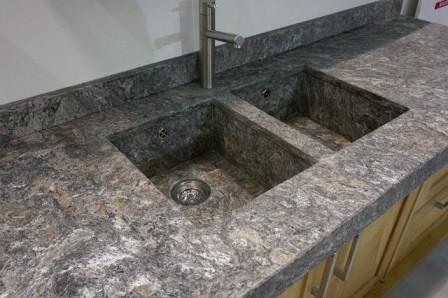 Kamenná kuchyňská deska cena