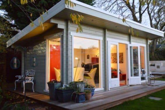 Luxusní dřevěný zahradní domek