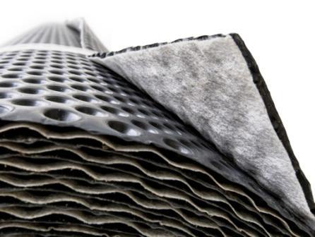Nopová fólie s nakašírovanou geotextílií plní funkci drenážní a filtrační vrstvy