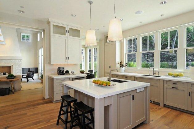 Dřevěná podlaha se hodí i do kuchyně