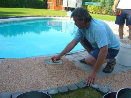 Pokládka kamínkové podlahy