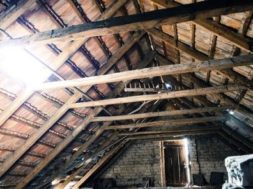 attic-112266_640-min