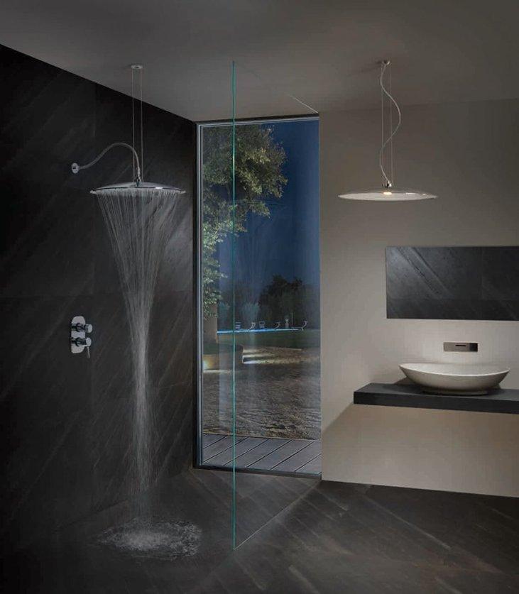 stropní závěsná sprchová hlavice