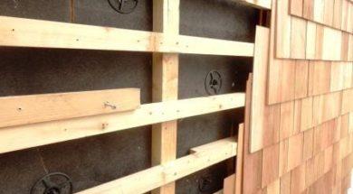 Dřevěný obklad na rošt – provětrávaná fasáda