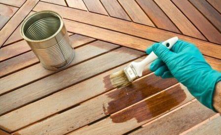 Údržba dřevěného zahradního nábytku lak lazura