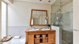 Dřevo v koupelně – jedná se o dobrou volbu?