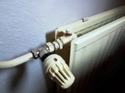 Jak správně odvzdušnit radiátor – odvzdušňovací ventil