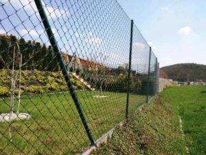stavba plotu z pletiva návod