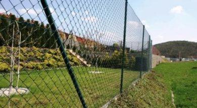 Jak postavit plot z pletiva