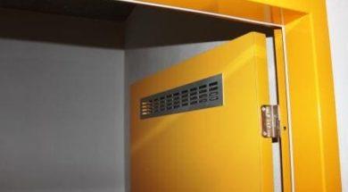 Správná velikost dveří a směr otevírání dveří