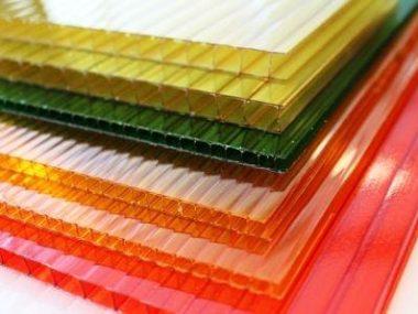 Barevné polykarbonátové desky