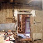 cena rekonstrukce domu - oprava nadpraží a vnitřních omítek