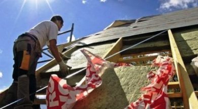 Zateplení šikmé střechy minerální vatou mezikrokevním systémem