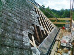 Rekonstrukce eternitové střechy – střešní krytina s názvem Česká šablona