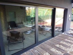 Zdvižné posuvné dveře se hodí zejména pro přístup na terasu či na zahradu