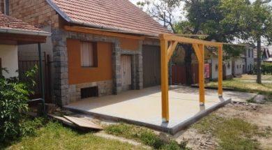 Stavba pergoly – vztyčení prvního rámu a jeho zavětrování deskami