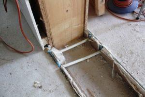 Kročejová izolace v páskách na obvodové stěny