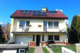 Hydridní fotovoltaický systém je vhodný nejen pro rodinné domy