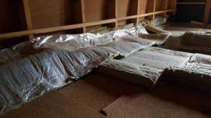 Nekvalitně provedené zateplení stropu z minerální vaty