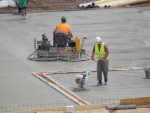 """Gletování betonu pomocí """"Gleťáku"""""""