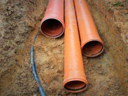 Pro stavbu odpadní kanalizace se používá plastové potrubí typu KGB