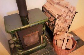Krbová kamna na kusové dřevo pro teplovzdušné vytápění domu