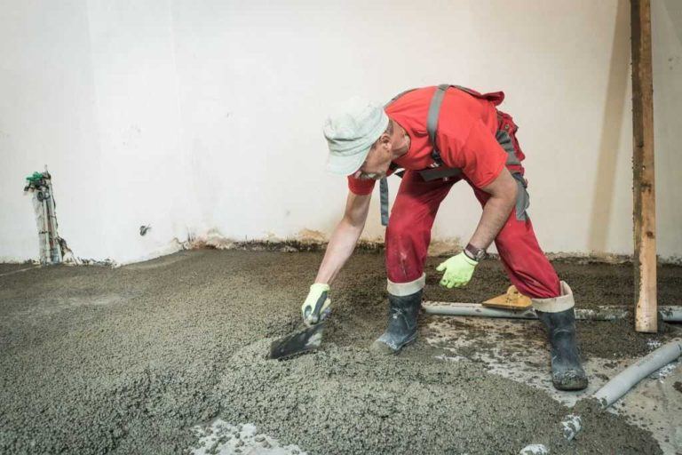 Rekonstrukce podlahy Liaporbetonem - rovnání betonové vrstvy