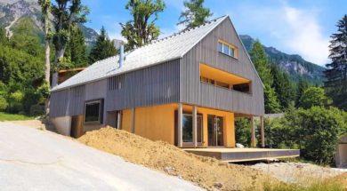 Provětrávaná fasáda zajistí, že se interiér domu nebude v letních měsících přehřívat.