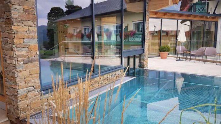 Stavba bazénů - souhlas sousedů - ilustrační foto