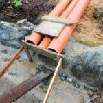 Vypouštění odpadních vod do vod povrchových - přepad z domovní čistírny odpadní vody je zaústěn do povrchové vodoteče