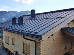 Renovace plechové střechy – nátěr střešní krytiny