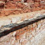 Podřezání domu stavební povolení vyžaduje, pakliže se zasahuje například do nosných obvodových konstrukcí.