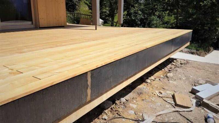 Stavba dřevěné terasy z prken