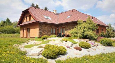 polovalbová střecha – novostavba