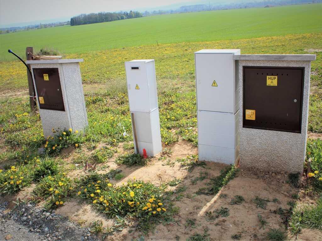 Koupě stavebního pozemku - připojení plynu a elektřiny