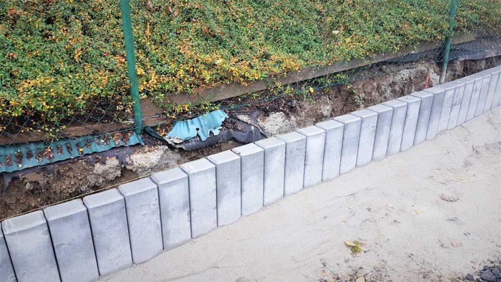 Jak namíchat beton na obrubníky - osazení palisády
