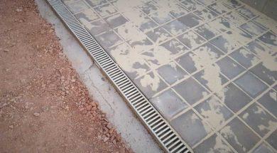 Betonový chodník – zámková dlažba, obrubník