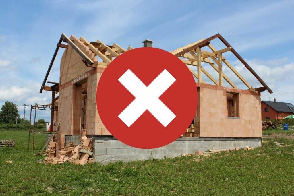 Stavební uzávěra omezuje nebo zakazuje stavební činnost ve vymezeném území.