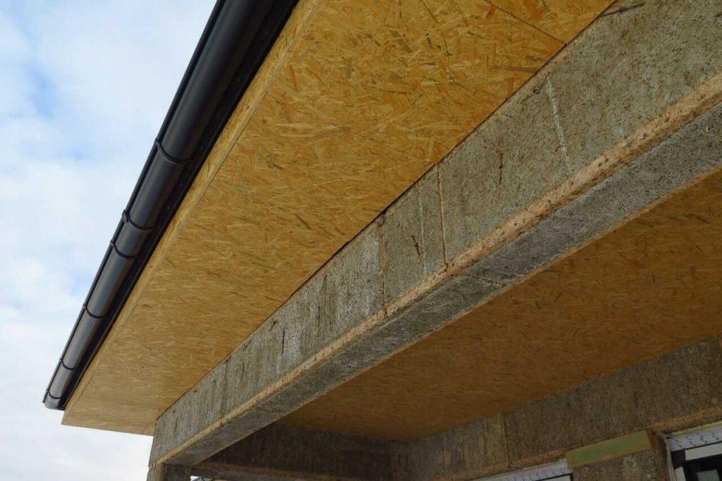 Podbití přesahu střechy OSB deskou
