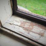 Renovace dřevěných oken svépomocí – jak probíhá oprava oken